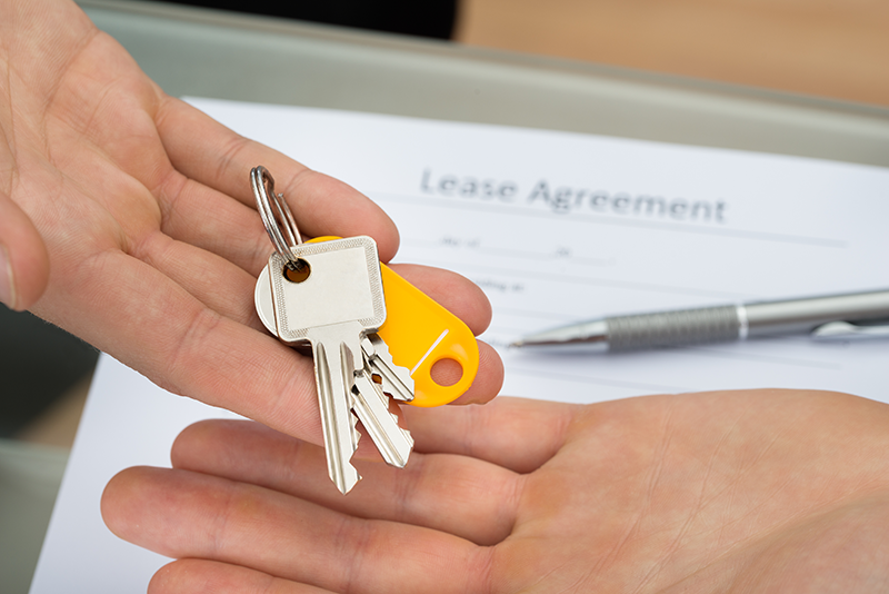 pair of keys and lease agreement